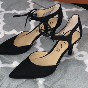 black bow tie heels (never worn)